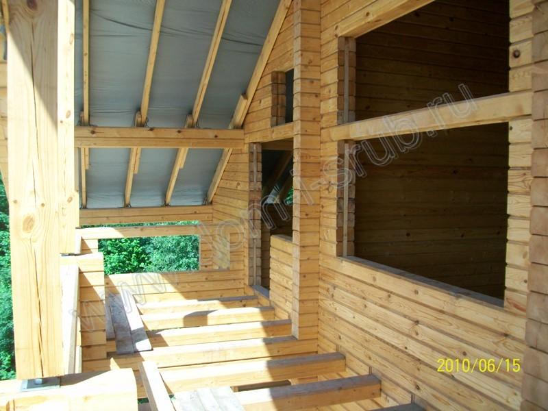 Лоджией деревянных домов..